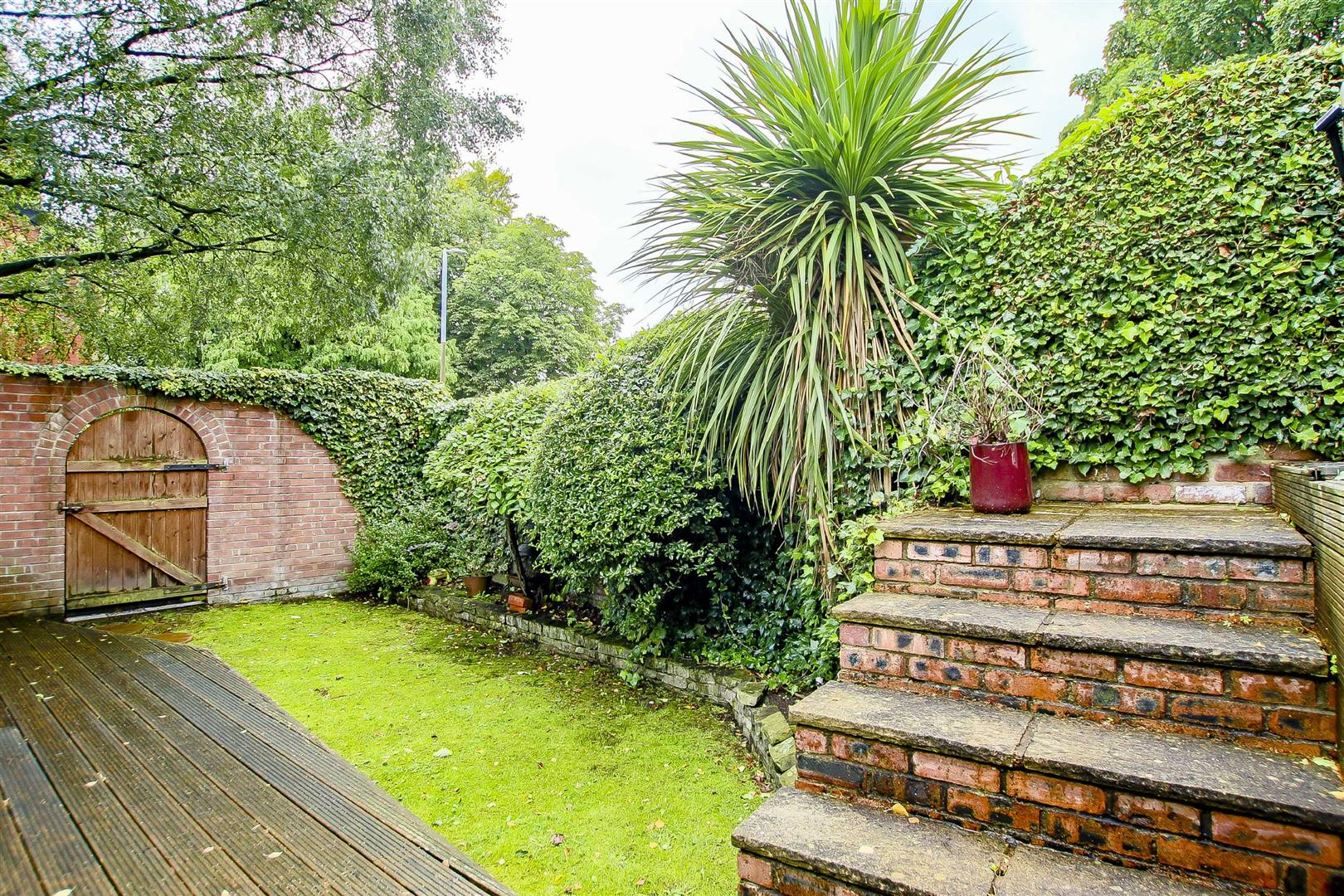 5 Bedroom Terraced House For Sale - Image 19